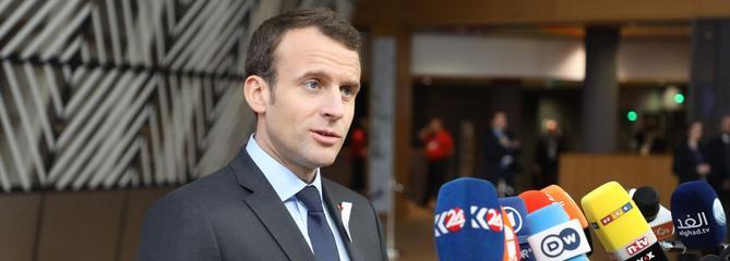 Face aux manifestations, Macron reste ferme