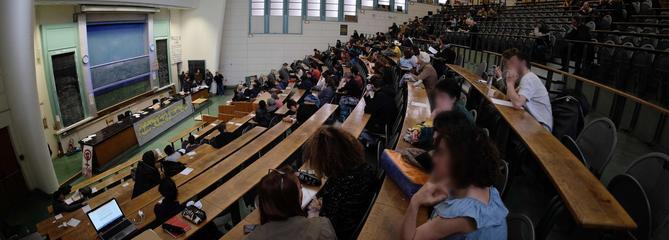 «Niveau catastrophique et bureaucratie: pourquoi j'ai fui l'université française»