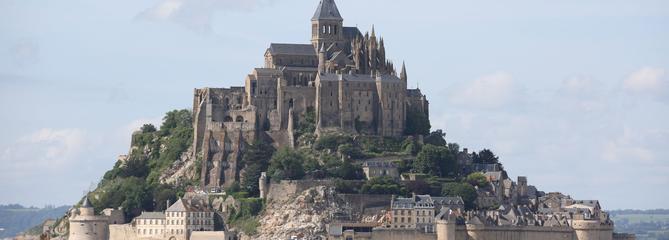 Le Mont-Saint-Michel évacué pour rechercher un individu suspect