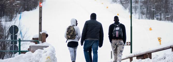 Alpes : comment les immigrés illégaux s'organisent pour franchir la frontière française