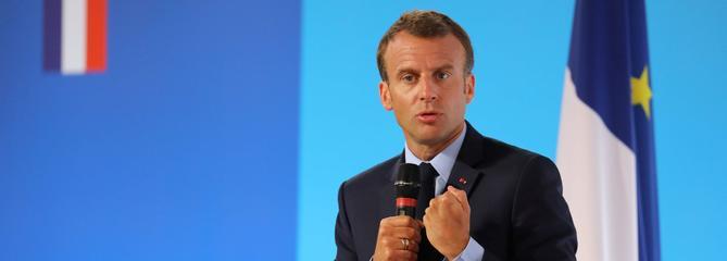 Banlieues : Macron veut une «politique d'émancipation et de dignité»