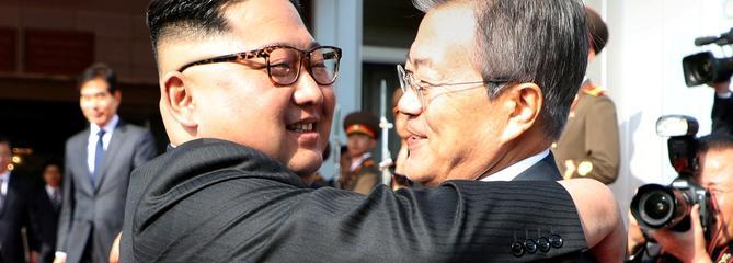Les dirigeants nord et sud-coréen se rencontrent, Trump entretient le doute