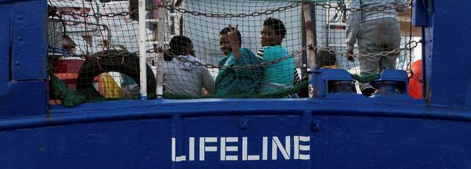Méditerranée : le «Lifeline» et ses 240 migrants toujours en quête d'une solution