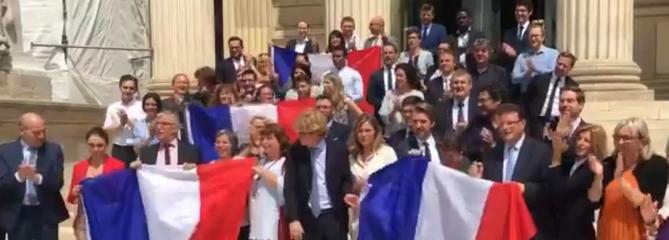 «Allez les Bleus !» : les députés enregistrent une vidéo de soutien à l'Équipe de France