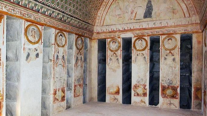L'hypogée des Trois Frères, édifié vers 140 dans la «vallée des tombeaux», renferme de rares témoignages de peintures murales palmyréniennes. © AKG-Images/De Agostini Picture