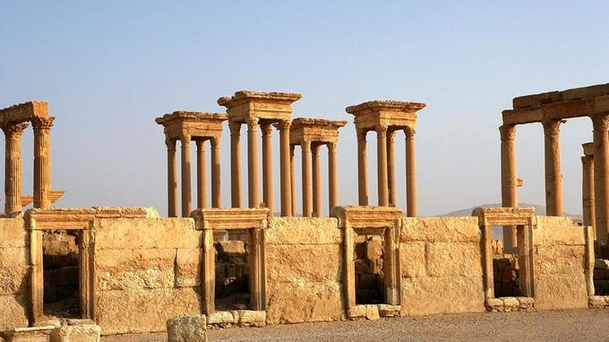 Une fois Zénobie capturée en 272, Palmyre, faiblement protégée car dépourvue de remparts, préféra faire sa reddition à Aurélien afin d'éviter le pire. © Manuel Cohen