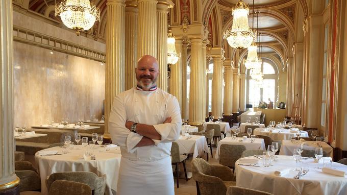 Philippe Etchebest dans son nouveau restaurant, Le Quatrième Mur, à Bordeaux.