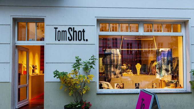 Boutique de Tom Shot, le célèbre créateur de bijoux fantaisie qui sera à Paris avec une vingtaine des ses compatriotes sur le Pop into Berlin à partir du 7 décembre.