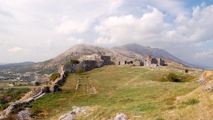 Le château de Shkodër, symbole de la ville historique homonyme, l'une des plus vieilles du pays.