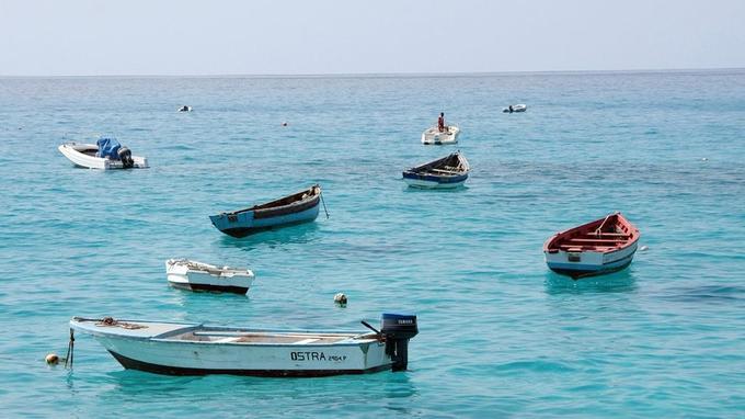 Santa Maria et ses bateaux de pêcheurs.