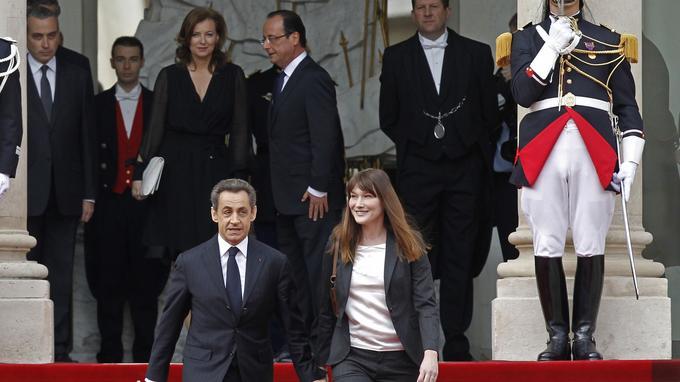 «Sur le perron, il (François Hollande) est d'une froideur à la limite de la bonne éducation.» Nicolas Sarkozy