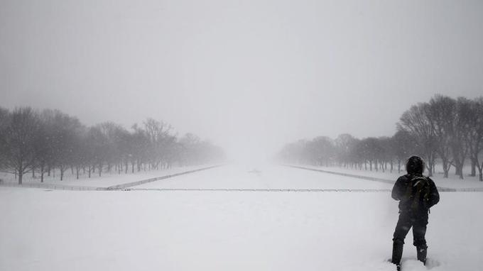 La météo nationale a annoncé que 50 millions de personnes allaient être affectées par la tempête, qui devrait remonter vers New York ce samedi.