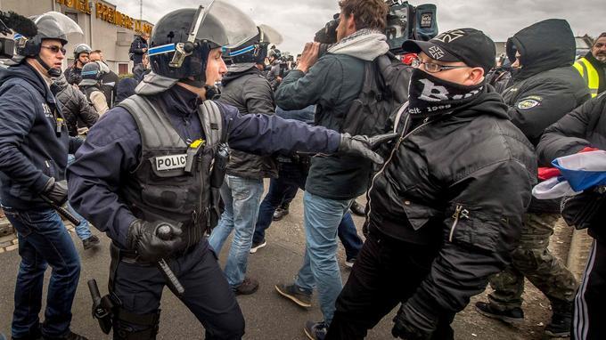 Samedi à Calais.