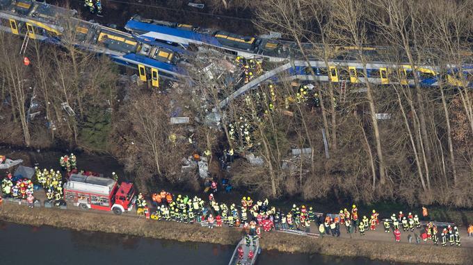 Un violent «choc frontal» est survenu mardi matin dans le sud de l'Allemagne entre deux trains régionaux.