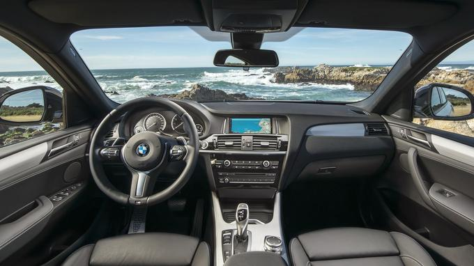 Quelques équipements Motorsport comme le volant et les sièges enveloppants en cuir rehaussent le statut de ce SUV à la finition remarquable.