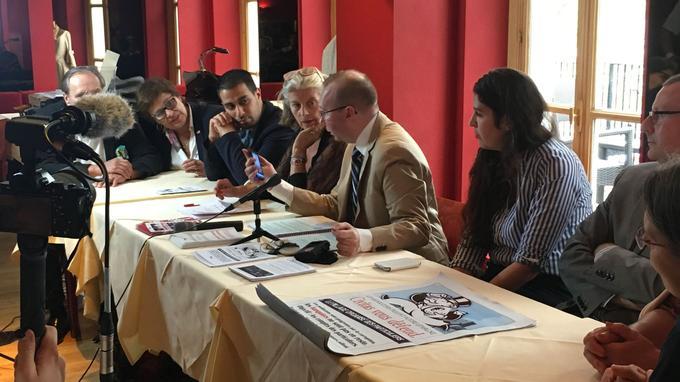 Alain Escada entouré des conseillers politiques de Civitas ce jeudi 15 septembre à Paris (Crédits: MDB/LE FIGARO)