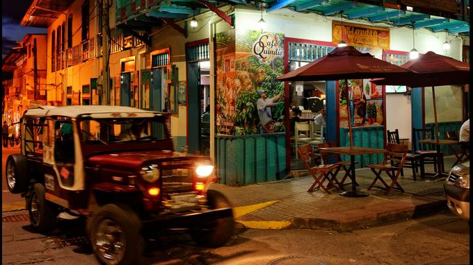 Le village typique de Filandia. Arrêt au bar de Claudia (ci-dessus) et au restaurant Helena Adentro, le meilleur de toute la région.