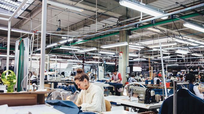 FIM réalise 12,5 millions d'euros de chiffre d'affaires et emploie 350 salariés. Si la famille Martin-Lalande est propriétaire, dans chaque atelier des cadres sont actionnaires et participent à l'aventure.