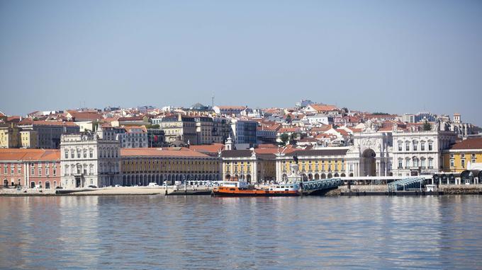 La Praça do Comercio vue depuis le Tage. © OT du Portugal.