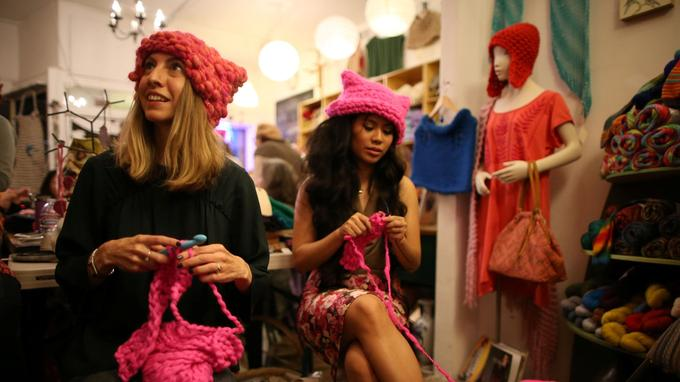 L'initiative Pussyhat est une action pour protester contre le propos de Trump envers les femmes.