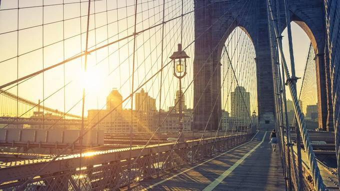 New York vue depuis le Brooklyn Bridge. ©iStock.