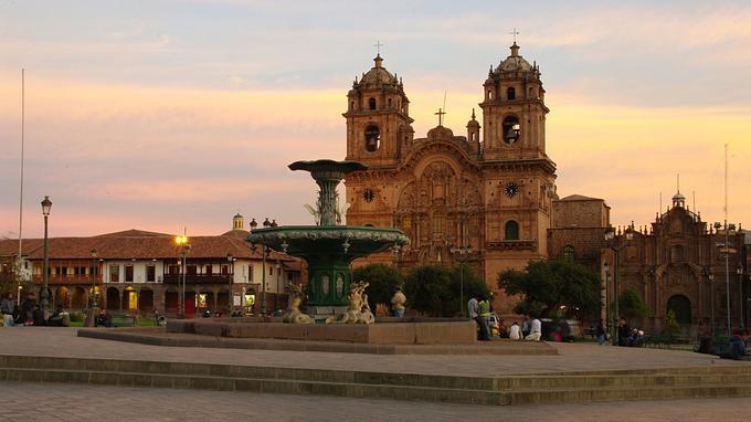 Cusco: la place d'Armes. © DR