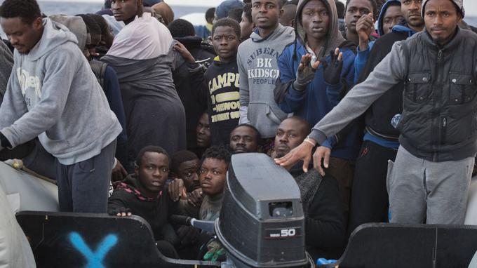 Les migrants naviguaient à bord d'embarcations précaires.