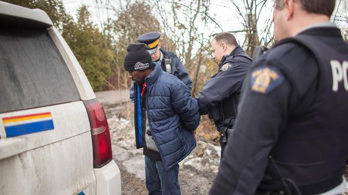 Un homme originaire de la République démocratique du Congo est arrêté par la GRC à Hemmingford, au Québec, le 25 février.