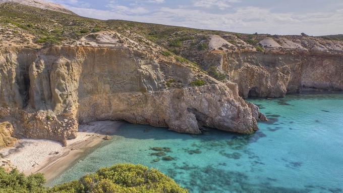Milos compte quelques plages bien cachées. ©Lefteris Papaulakis / Fotolia