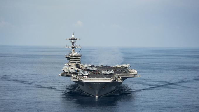 Les Etats-Unis ont déployé jeudi un porte-avions.