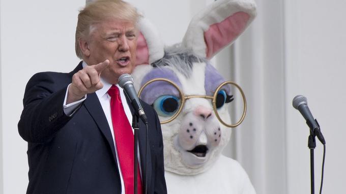 Donald Trump et le lapin de Pâques.
