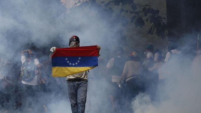 La vague de manifestation a commencé le 1er avril après la décision de la Cour suprême de s'arroger les prérogatives du Parlement.