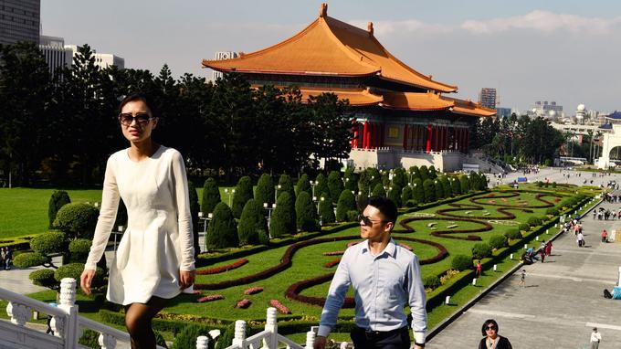 Lieu de pèlerinage pour beaucoup de Taïwanais, le mémorial Tchang Kaï-chek surplombe un magnifique jardin de 25 hectares.