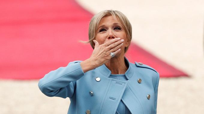 Brigitte Macron. Le nouveau président de la République veut officialiser le statut de première dame.