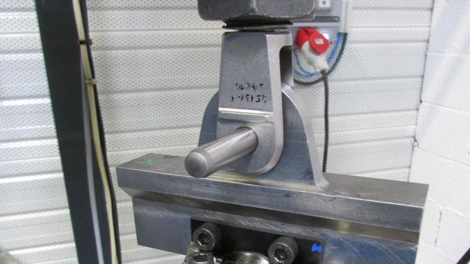Banc de traction/compression sur des pièces SKF Black Design. Crédit: SKF