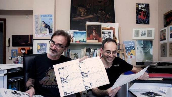 C'est dans un studio sis au premier étage d'un immeuble résidentiel que le nouvel album des aventures de Corto, <i>Equatoria</i> (Casterman) a été entièrement conçu par Rubén Pellejero et Juan Díaz Canales. (Photo: Stéphane Grangier pour Le Figaro Maqgazine).