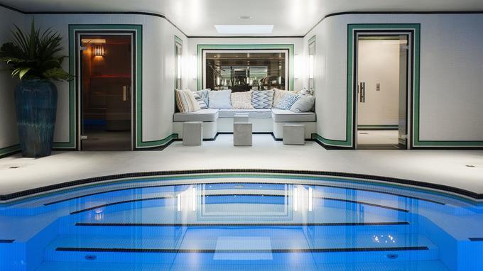 La piscine est magistrale. © Bruno Comtesse