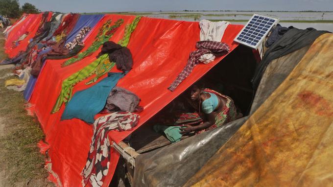 Au Népal, la situation pourrait conduire à une pénurie d'eau potable et une crise humanitaire.