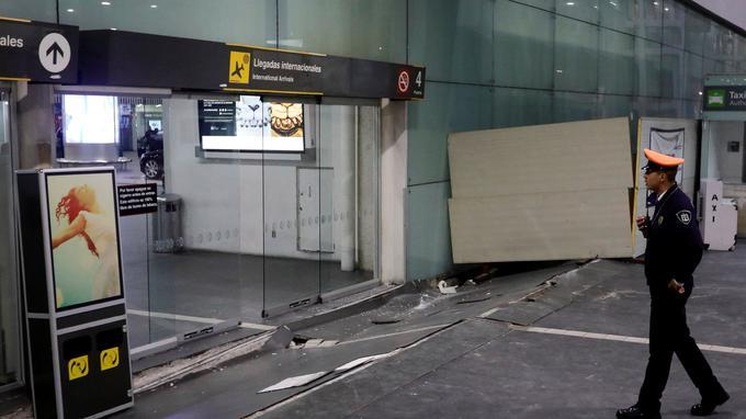 Le séisme a provoqué quelques dégâts dans l'aéroport de Mexico.