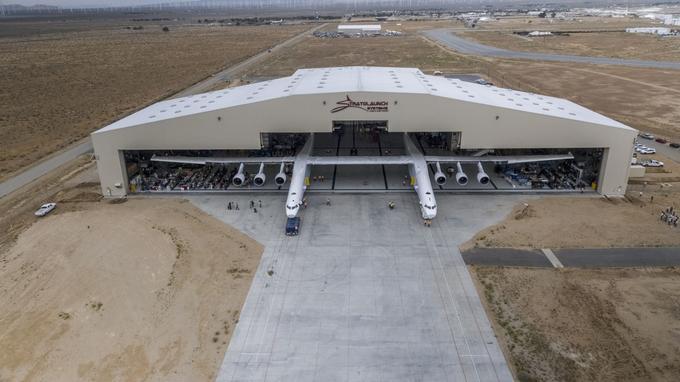 Premiers essais moteurs de stratolaunch le plus grand for Hangar a construire