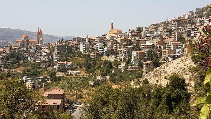 Bcharré sur les hauteurs de la vallée de la Qadisha.