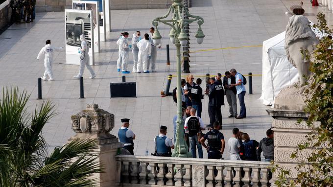 Plus de 200 policiers sont mobilisés selon la Sécurité publique, tandis que la Police judiciaire effectuait les premières constatations.