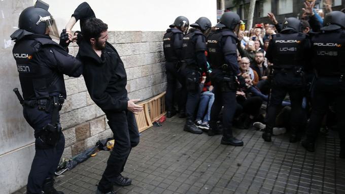 Malgré les interventions policières, des citoyens ont quand même voté par endroits, selon des journalistes de l'AFP.