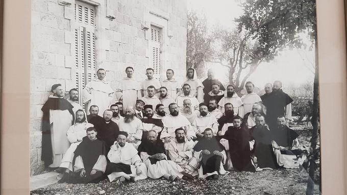 Première génération de Bénédictins archéologues, en 1902.