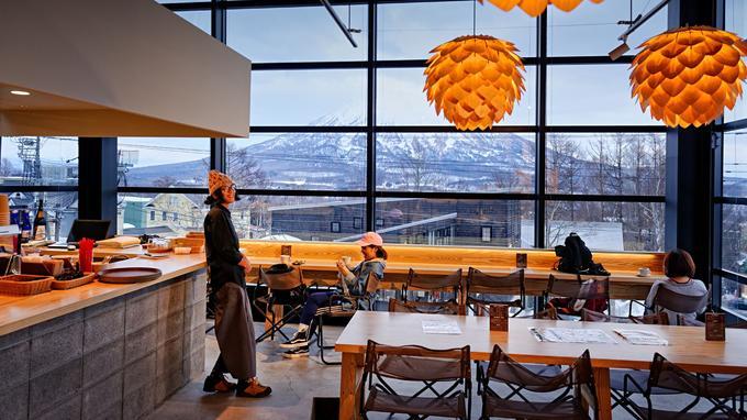 Dans la galerie design Odin Place, le Cafe & Bar Morinoma allie influences japonaises et occidentales.