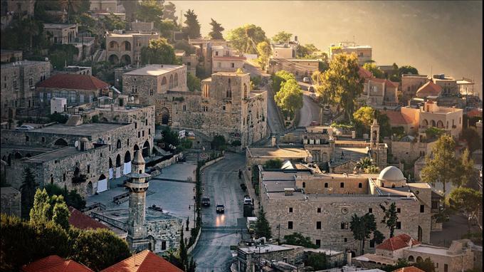 Le village de Deir-el-Qamar au lever du jour, dans les montagnes du Chouf, à une heure au sud de Beyrouth.