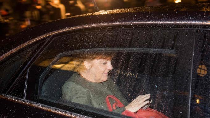 Angela Merkel, ici à la sortie des négociations, peut encore compter sur la volonté de ses interlocuteurs.