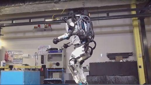 Le robot à la réception.