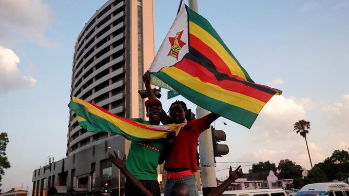 Les Zimbabwéens ont laissé éclater leur joie après la démission de Mugabe.