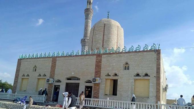 Vue de la mosquée al-Rawda, visée samedi 24 novembre par des attentats qui ont fait 305 morts.